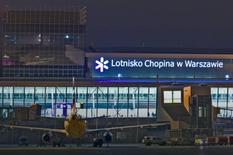 Dlaczego lotnisko Chopina nie potrafi sobie poradzić z kolejkami do odprawy?