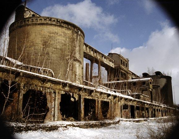 Opuszczone miejsca - cementownia grodziec