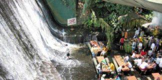 szum wody - restauracja pod wodospadem