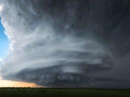Łowcy tornad