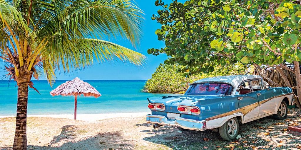 Kuba - samochód na plaży
